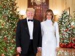 donald_trump_and_melania_trump_official_christmas_portrait_2018-1545155538-9909.jpg